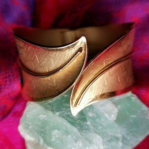 Vintage leaf cuff bracelet gold tone etched